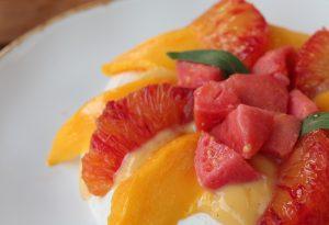 pavlova aux fruits tropicaux